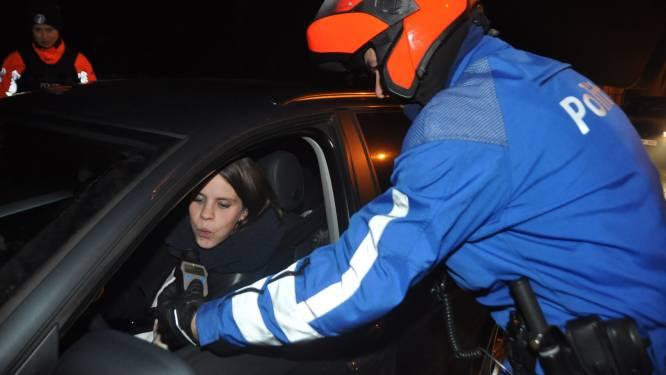 """Vias: """"Aantal dronken bestuurders in weeknachten ligt schrikbarend hoog"""""""