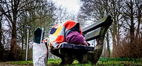 GGD gaat daklozen vaccineren tegen corona in Oud-Beijerland, met een prikbus: 'Lang niet iedereen wil'