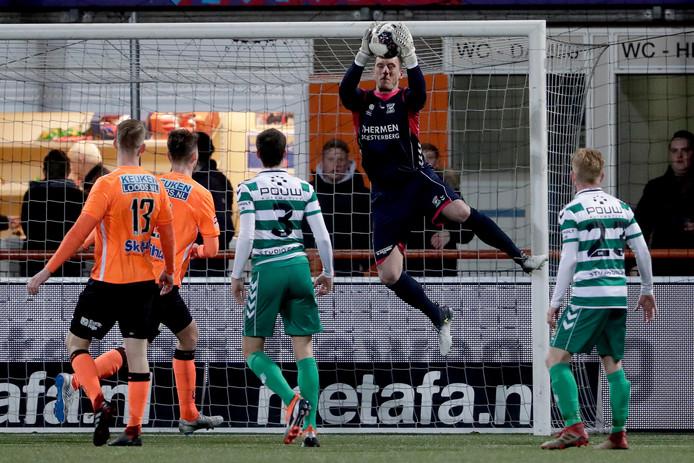 Hobie Verhulst brengt redding voor Go Ahead Eagles tegen FC Volendam