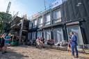 Aan de Bogaardslaan in Ugchelen wordt een nieuw schoolgebouw gebouwd. Daar gaan De Bouwhof en De Touwladder na de zomer samen verder als IKC De Spreng.