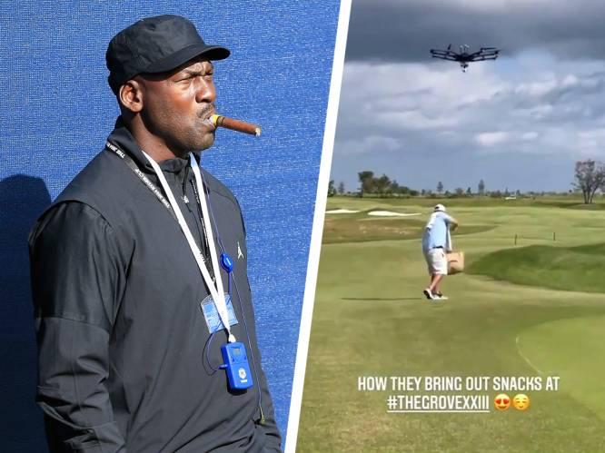 Michael Jordan bezit de golfbaan van de toekomst: drones leveren biertjes aan, caddies scheuren rond op speciale brommers