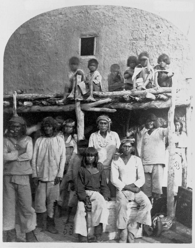 Bewoners van Zuni Pueblo in New Mexico, 1873 Beeld Corbis/VCG via Getty Images