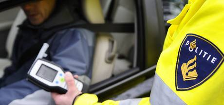 Automobilist met flinke slok op aangehouden bij Holten