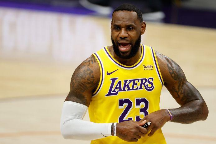 LeBron James is met LA Lakers favoriet om zichzelf op te volgen als NBA-kampioen.