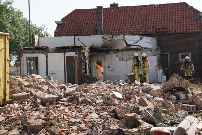De woning die gesloopt werd, maar nog niet bleek te zijn afgesloten van gas en elektra.