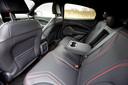 Een VW ID.4 of Aiways U5 biedt meer ruimte op de achterbank, maar de Mach-E scoort hier geen onvoldoendes