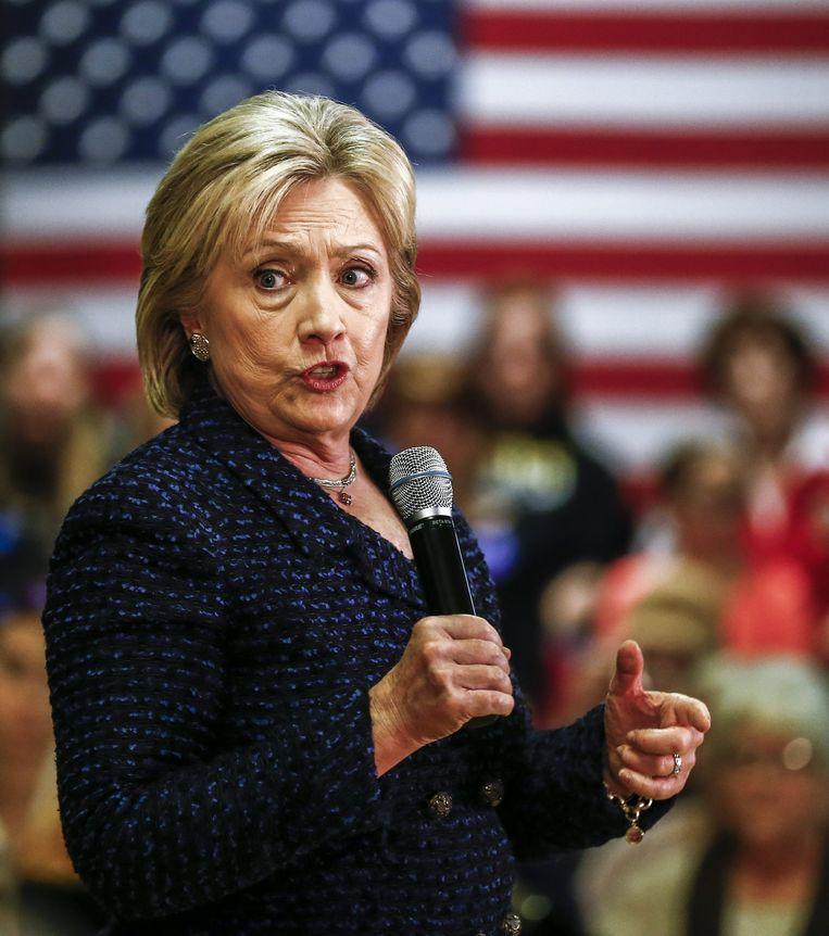 Clinton bezocht donderdag onder andere Vinton in Iowa. Alle kandidaten trekken door de staat om kiezers voor zich te winnen. Beeld EPA