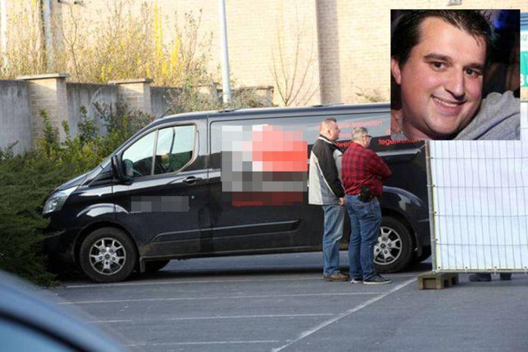 De bestelwagen waarin het lichaam van Frederik Heyvaert gevonden werd.