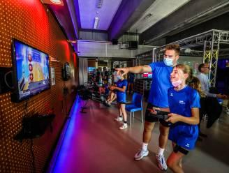 """Gamen én sporten tegelijk, dat kan vanaf nu in de unieke 'sportscube' in Brugge: """"We willen deze doelgroep ook echt weer aan het bewegen krijgen"""""""