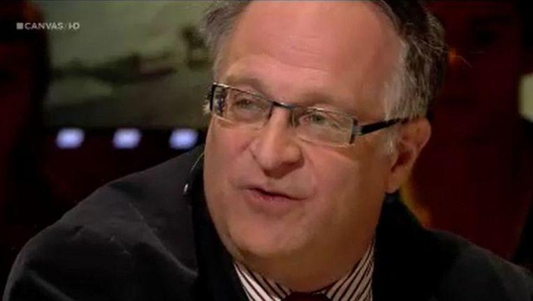 Burgemeester van Zedelgem Patrick Arnou (CD&V) gisterenavond in 'Reyers laat'. Beeld Videostill 'Reyers laat'