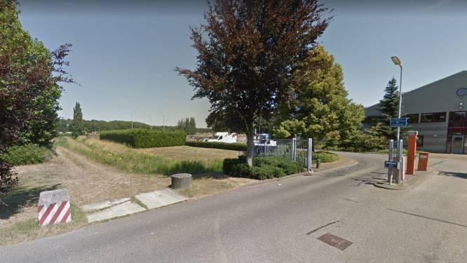 Tijdelijk wonen tussen snelwegen en drukke straat in Maaspoort, 'er is te wonen en te leven'