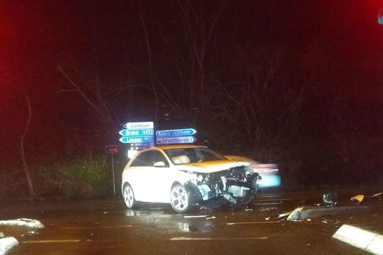 Kruispunt De Zonnebloem was door het ongeval deels versperd.