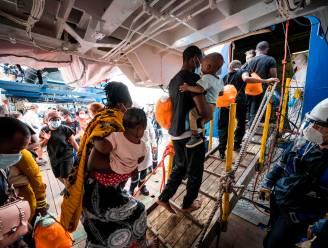 Tientallen migranten gered voor Libische kust, twintigtal vermisten