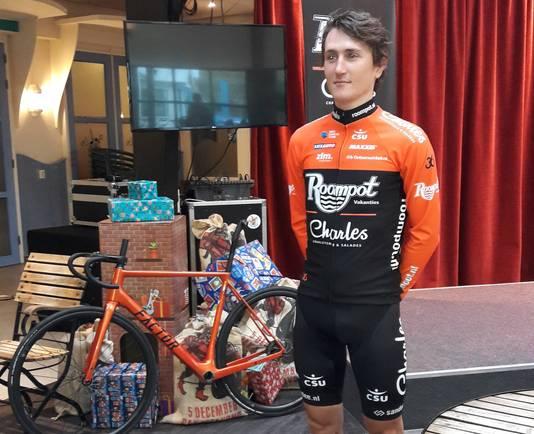 Nick van der Lijke in het nieuwe tenue van Roompot-Charles.
