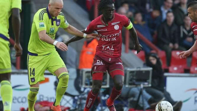 Herbeleef hoe Okaka Anderlecht in extremis 3 punten schonk