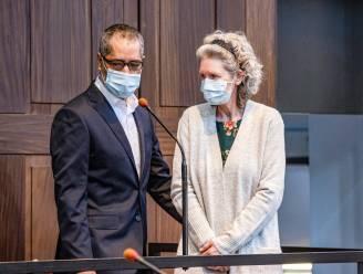 """ASSISEN LIVE. Advocaat Van Acker over dubieuze robotfoto: """"Hoe wordt een donkerhuidige man plots een witte madam?"""""""