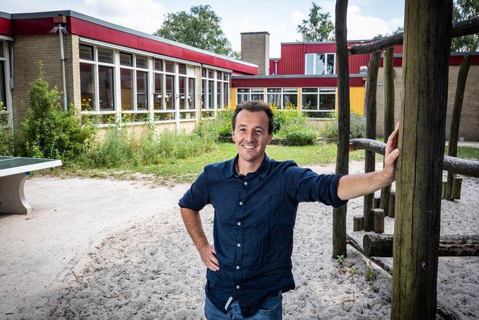Vrijeschool de Zevenster in Oldenzaal verhuist volgend jaar naar een nieuw pand. Huidige pand is in slechte staat en ook te groot. Schooldirecteur Lucas Sint.