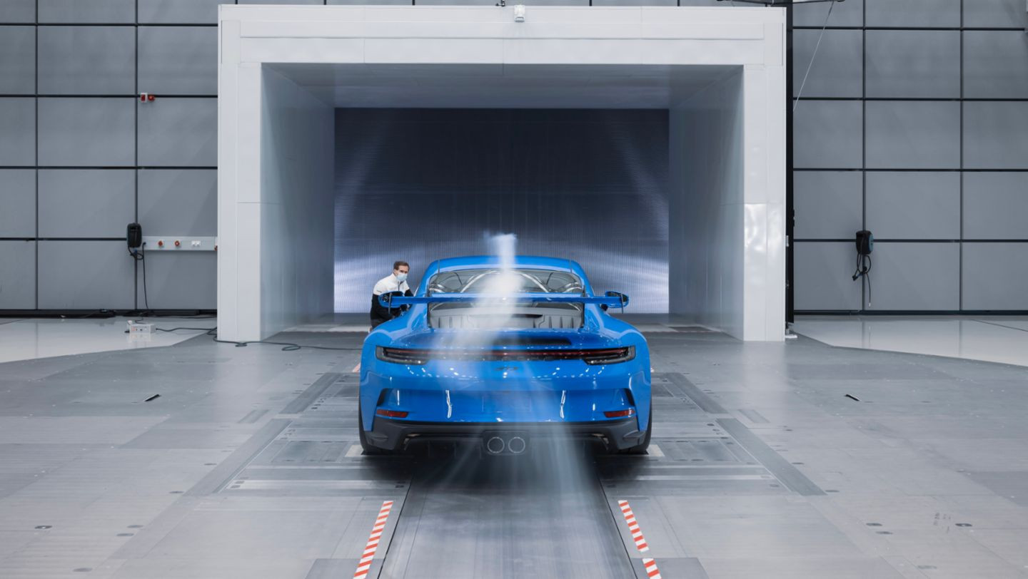 De Porsche 911 GT3 in de windtunnel.