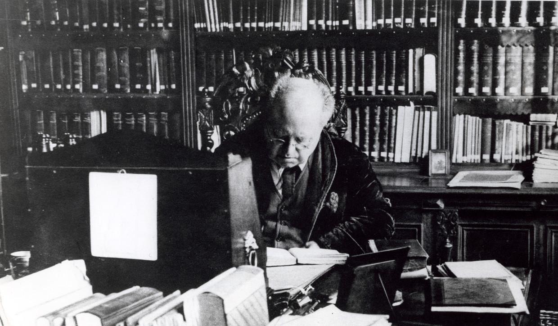 Abraham Kuyper (1837-1920) aan het werk.  Beeld  Spaarnestad Photo