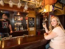 Het favoriete plekje van Elsbeth Deijk uit Holten? 'Café Bie Toontje, die gezelligheid is waardevol'