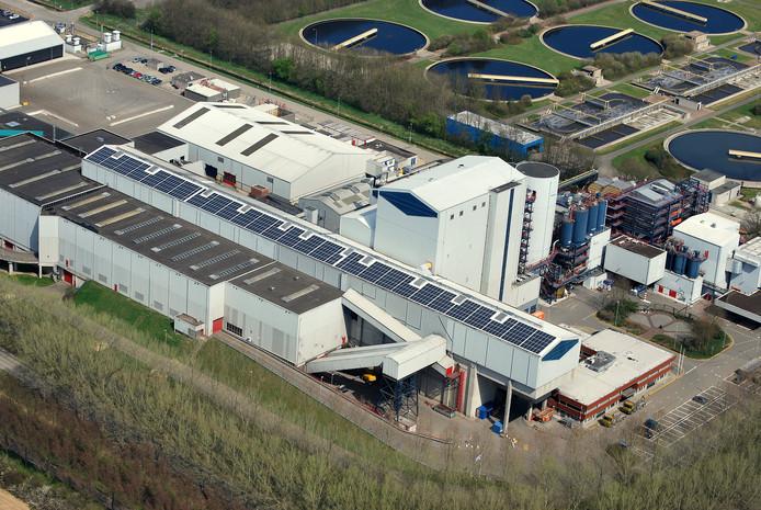 Een groot deel van het dak van ARN in Weurt is sinds 2013 al bedekt met zonnepanelen.
