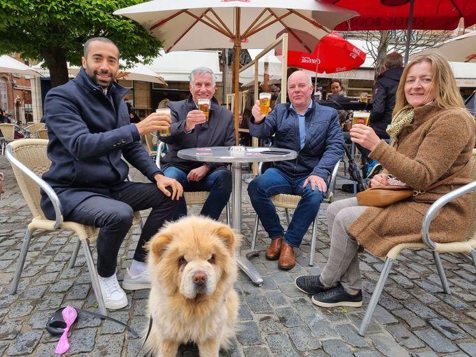 Sammy Mahdi dronk zijn eerste pintje op de Oude Markt in Leuven en leerde al snel dat een pintje in de universiteitsstad wordt omschreven als 'ne Stella'.