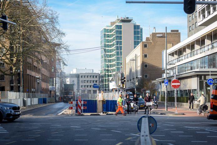 De kruising Vestdijk, Ten Hagestraat en Kanaalstraat in Eindhoven.