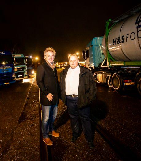 Zwijndrecht ergert zich aan puinhoop: 'Doe iets aan deze truckcamping'