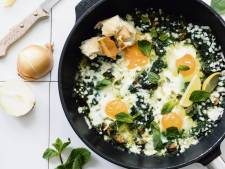 Wat Eten We Vandaag: Groene shakshuka met spinazie en munt