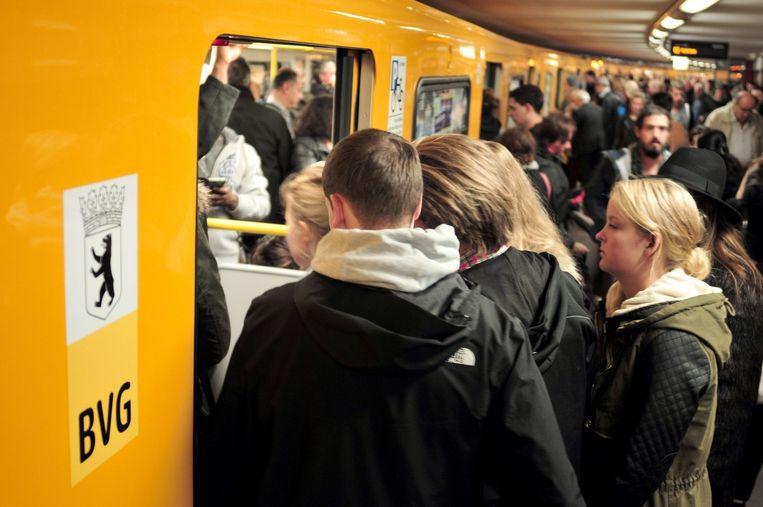 Chaos in de Berlijnse metro vanochtend. Beeld epa