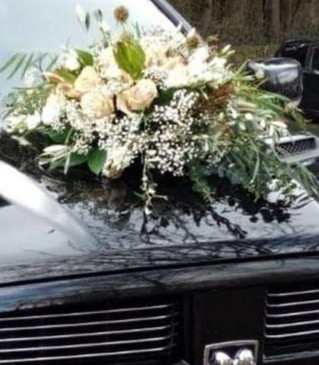 Boeket tijdens trouwceremonie van auto in Rhenen gestolen én twee dagen later weer teruggebracht