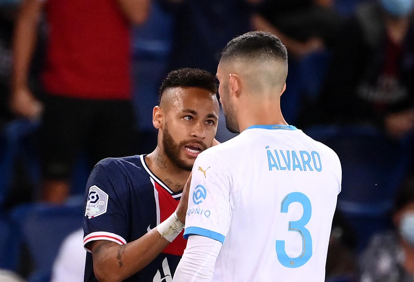 Neymar en Alvaro González.
