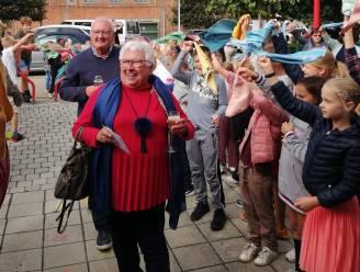 Vrije basisschool Borsbeke neemt afscheid van poetshulp Annemarie