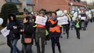 """'Mars voor Mondomio' trekt naar het gemeentehuis: """"Niet van plan om 67 kinderen op straat te zetten"""""""