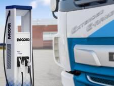 Fabrikanten willen verkopen e-trucks aanjagen met netwerk laadstations: DAF doet nog niet mee aan Europees initiatief