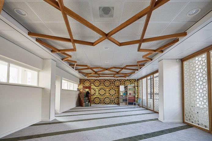 Volgens de Rekenkamer Rotterdam is het onverklaarbaar waar 2,5 miljoen euro gebleven is die bestemd was voor de verbouwing van het Avicenna College.