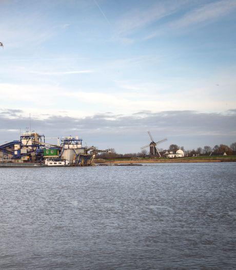 West Maas en Waal wil niet worden opgezadeld met dure vaargeul