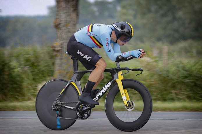 Après une nouvelle médaille d'argent dans le chrono, Wout Van Aert veut de l'or et un maillot arc-en-ciel, ce dimanche.