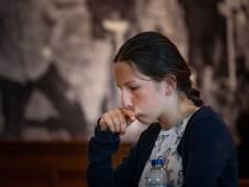 Yulia (12) uit Kampen is één van de weinige meisjes die wél gek is op dammen: 'Ik wil wereldkampioen worden'