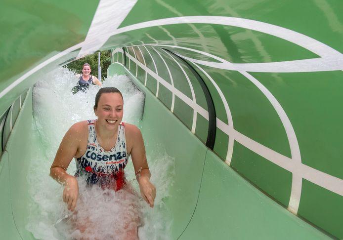 Bosbad Putten gaat  deze week weer open, met een nieuwe attractie: een wildwaterbaan van 110 meter. Zwemmers merken niks van de financiële gevolgen van de coronacrisis, belooft het zwembad.