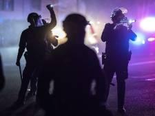 Agente die per abuis zwarte man doodschoot neemt onder druk ontslag