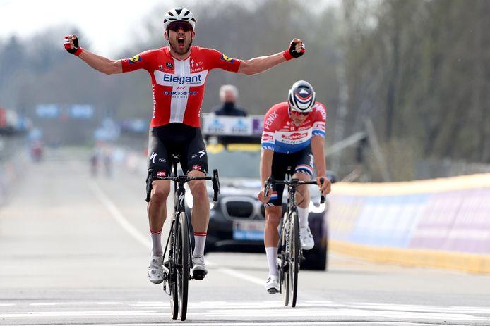 Agreen klopt Van der Poel in de Ronde van Vlaanderen.