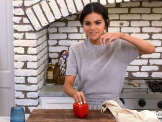 Selena Gomez roert weer in de potten (en dat loopt bijna fout)