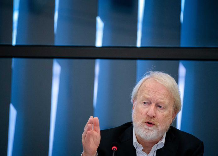 Jaap van Dissel (RIVM) tijdens een technische briefing in de Tweede Kamer over het coronavirus.