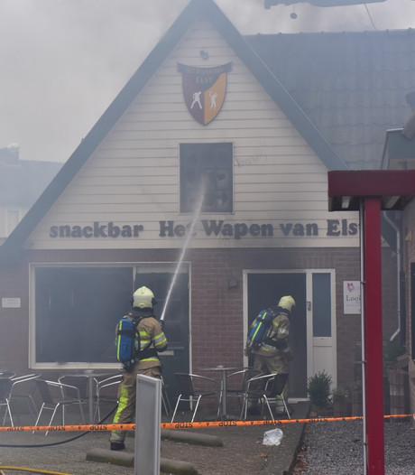 Felle brand verwoest cafetaria Het Wapen van Elst