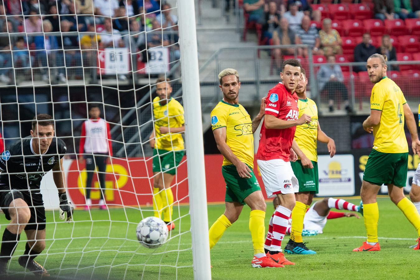 AZ tegen Fortuna Sittard was ruim een week geleden de eerste wedstrijd die dit seizoen om 20.00 uur werd afgewerkt.