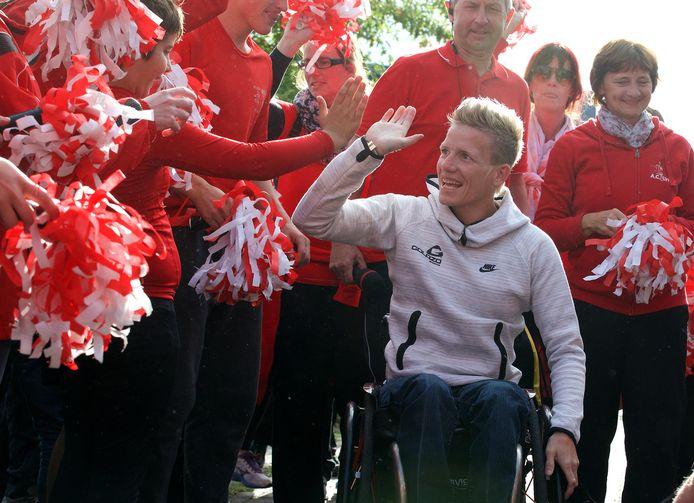 Een archiefbeeld van Marieke Vervoort uit 2016. Toen werd ze door AC Lyra in de bloemetjes gezet omwille van haar knappe prestaties tijdens de Paralympische Spelen in Rio.