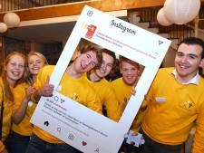 Buren pakt noodkreet jongeren over dreigende coronadip snel op: survivalwedstrijd en 'quarantiener-bingo'
