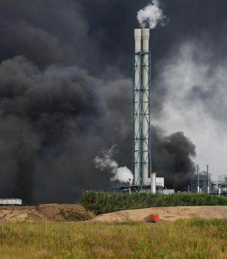 Twee doden, vijf vermisten en tientallen gewonden na explosie chemiepark Leverkusen