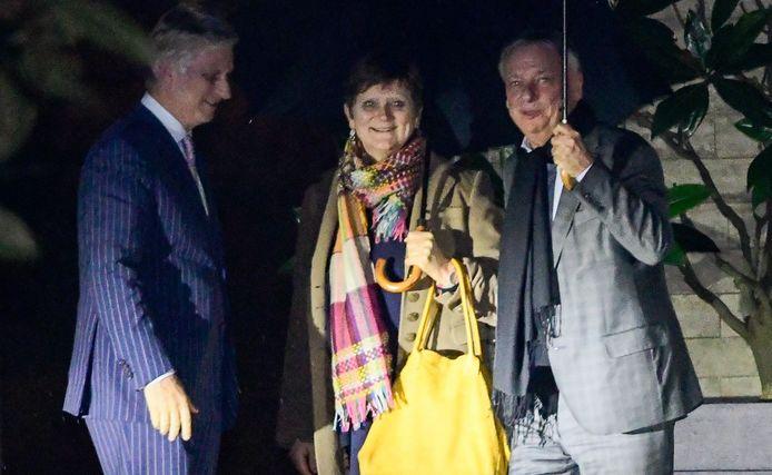 Sabine Laruelle et Patrick Dewael avec le roi Philippe mercredi soir.
